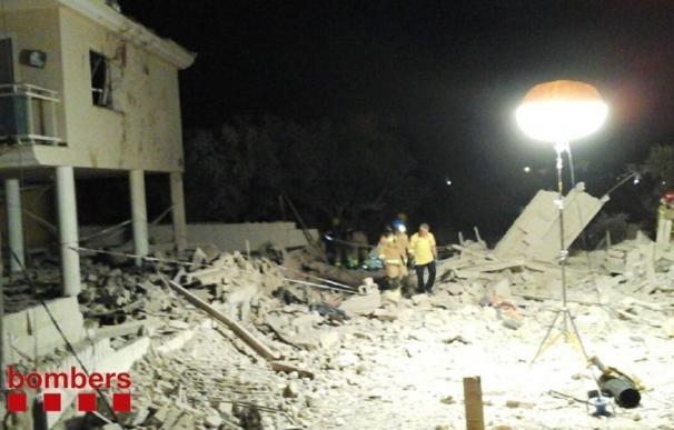 Los Mossos encuentran un cinturón explosivo con carga real en la casa de Alcanar (Tarragona)