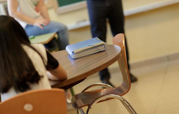 El curso arranca 201.000 docentes menos, despedidos en verano y pendientes de su incorporación, según CSIF