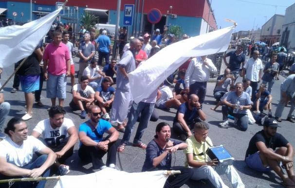 Detenidos cuatro diputados de la oposición en Melilla al querer pasar con 11 borregos a Melilla para la pascua islámica