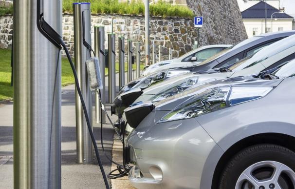 El coche alternativo logra el récord de ventas apoyado en un Plan Movea insuficiente