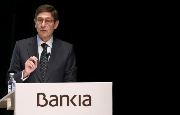 Goirigolzarri dice que la fusión con BMN subirá un 25% la clientela de Bankia