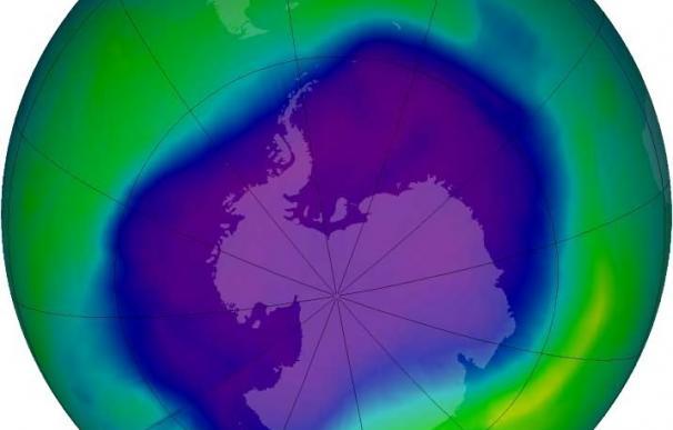 """La capa de ozono empieza a recuperarse por primera vez 30 años después el """"éxito"""" del Protocolo de Montreal"""