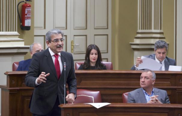"""Rodríguez (NC) reclama que los 42 millones del PIEC """"lleguen a los parados"""" de Canarias"""