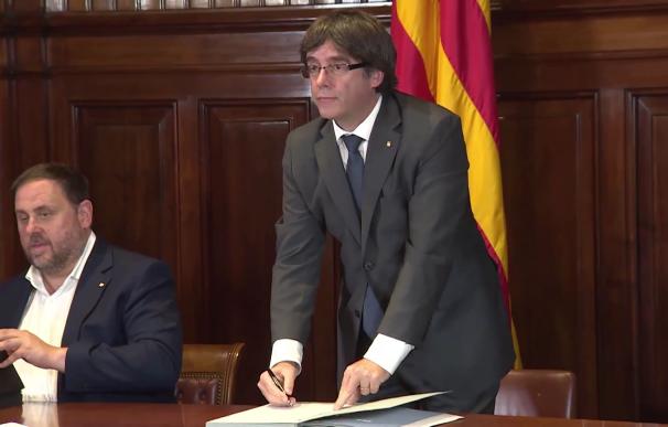 Govern firma la convocatoria del referéndum del 1-O