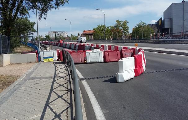 Arranca la mejora de accesibilidad peatonal y seguridad en el puente Pedro Bosch ampliando las aceras y barandillas