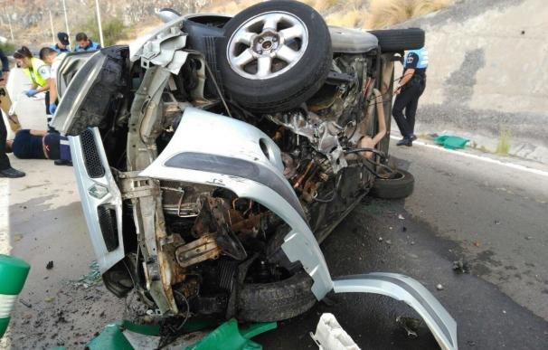 Un conductor resulta herido grave al sufrir un vuelco en la autovía de San Andrés (Tenerife)