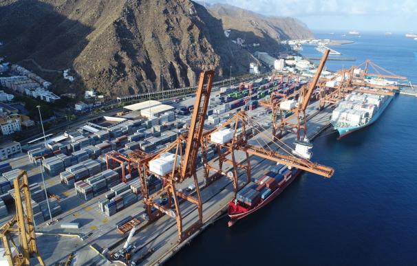 OHL inicia operaciones de transbordo de contenedores en Tenerife