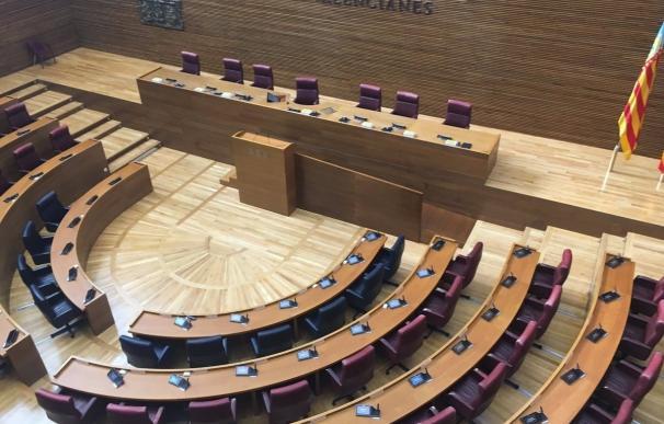 Arranca el Debate del Estado de la Comunitat Valenciana con el recuerdo al policía apuñalado en València