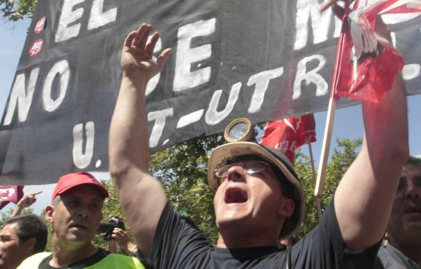 UGT-FICA denuncia un proceso de cierre encubierto en la minería del carón por parte del Gobierno y las eléctricas