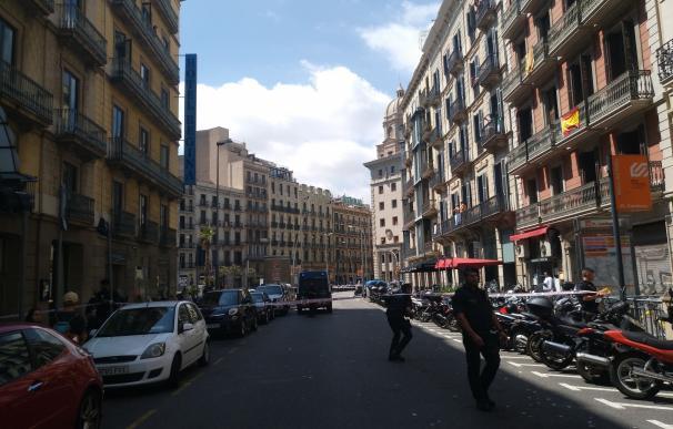 Reabren la calle Pelai de Barcelona tras una falsa alarma con una mochila