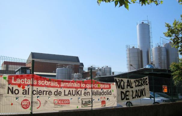 UGT y CCOO se personarán el 12 de septiembre contra Lactalis por el cierre de Lauki