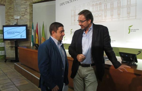 Diputación renueva su compromiso para que estudiantes de la UJA estudien en universidades extranjeras