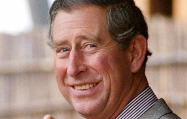 La popularidad del príncipe Carlos cae en picado