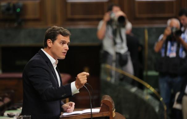 Rivera pone a Aznar de ejemplo para la limitación de mandatos
