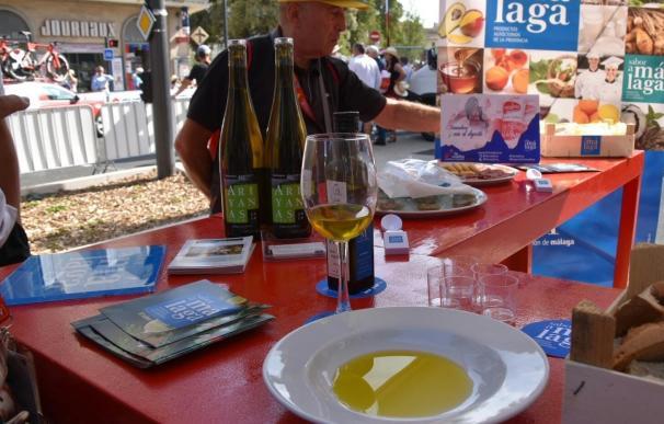 Los productos de Sabor a Málaga se promocionan en La Vuelta Ciclista a España