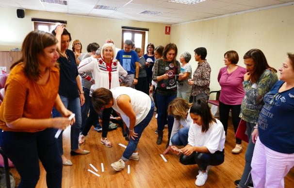 Bibliotecarios municipales se dan cita en Ansó para aprender técnicas de animación a la lectura
