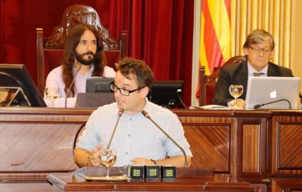 """El Parlament rechaza que el Gobierno """"persiga el ejercicio de derechos fundamentales"""" con la """"excusa"""" del referéndum"""