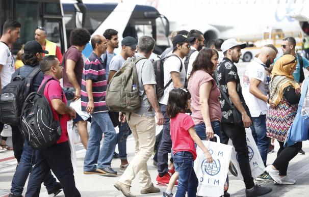 """ACNUR urge a los países europeos a incrementar la acogida de refugiados en la """"fase final"""" del programa de reubicación"""