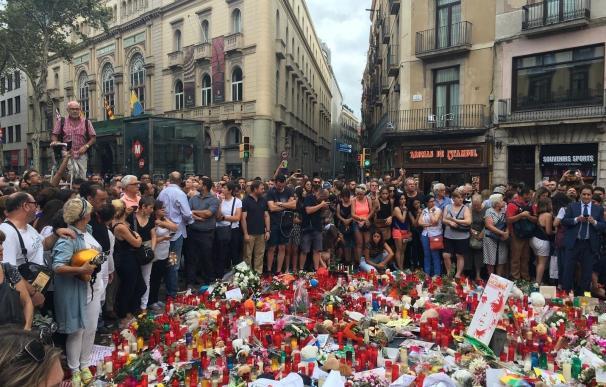 """El pleno de las Cortes de C-LM expresa su """"firme condena"""" por los atentados de Barcelona y Cambrils"""