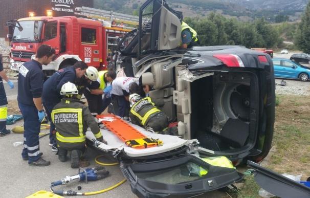 Herido grave un vecino de Palencia al volcar su coche en Tama