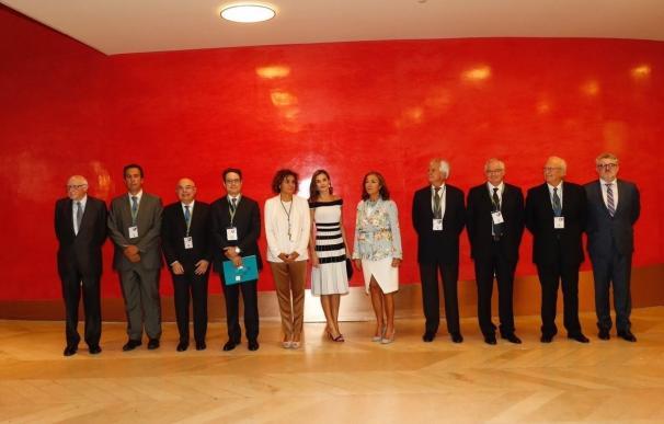 La Reina preside un acto previo al Congreso Mundial sobre Oncología Médica marcado por las peticiones de colaboración