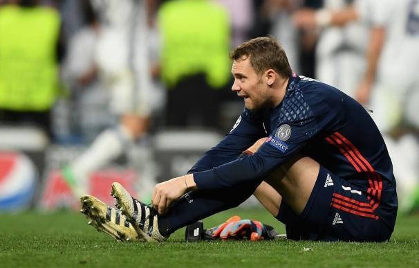 Neuer se opera de una nueva fisura en el metatarso izquierdo del pie y será baja hasta 2018