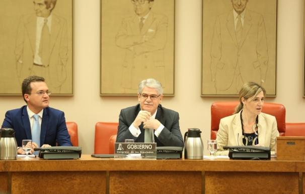 El PSOE insta a Dastis a explicar por que España no firma el Tratado contra armas nucleares, como le pidió el Congreso