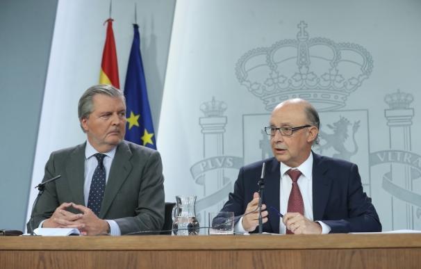 """El Gobierno ve una """"sarcasmo"""" y una """"añagaza"""" que Puigdemont decida ahora pedir diálogo por carta"""