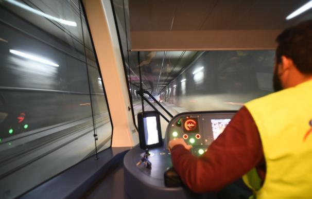 El metro de Granada se pone en servicio este jueves con la previsión de transportar 30.000 viajeros diarios