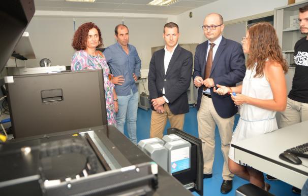 La CARM y la UPCT trabajan en proyectos de realidad mixta, una nueva tecnología que combina realidad virtual y aumentada