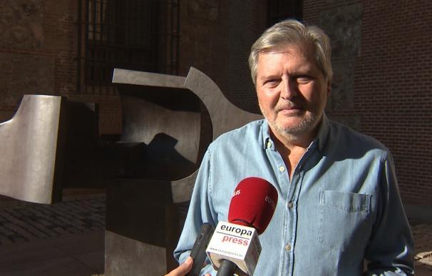 """Méndez de Vigo pide tranquilidad a los catalanes excluidos porque Rajoy, con """"cabeza fría"""", defenderá sus derechos"""