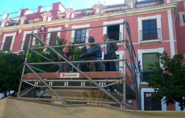 """Casi """"terminada"""" la restauración de la estatua de Martínez Montañés y en marcha otras actuaciones similares"""