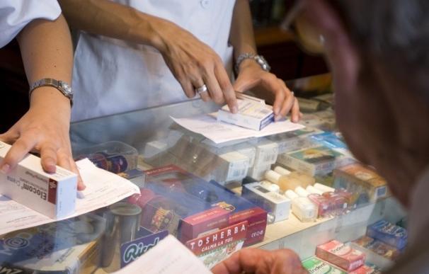 Los españoles han gastado 6.490 millones más en medicamentos desde que está en marcha el nuevo copago, según CC.OO