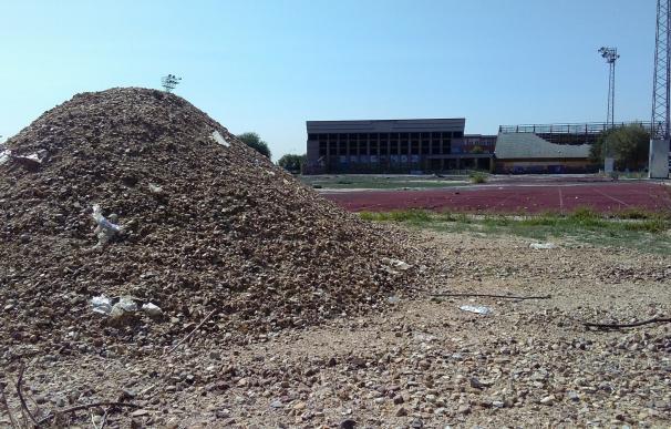 El Ayuntamiento comienza la demolición del antiguo polideportivo San Isidro