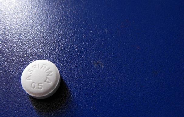 Dejar la terapia diaria con 'Aspirina' puede aumentar el riesgo de un segundo infarto e ictus