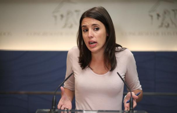 """Montero asegura que si Violeta Barba no fuese de Podemos sí saldría en """"portadas y titulares"""" por el """"botellazo"""""""