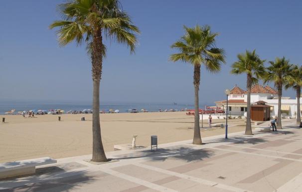 El buen tiempo y la opción de septiembre para las vacaciones alzan un 20% las ventas en chiringuitos