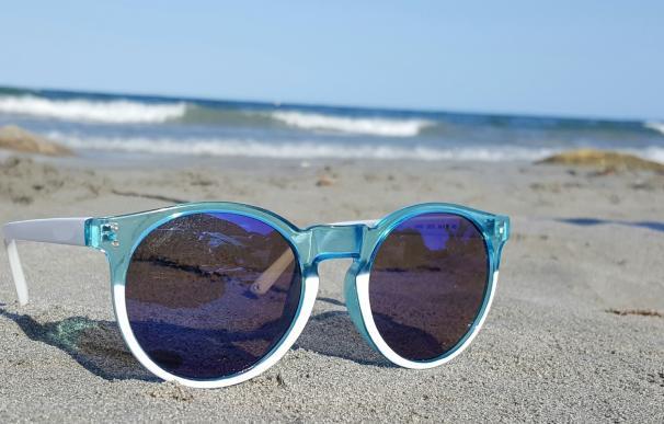 La exposición prolongada al sol puede causar lesiones oculares irreversibles
