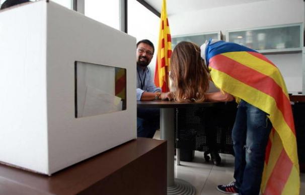 Mesa electoral catalana