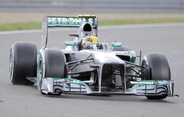 Hamilton lidera la primera sesión de entrenamientos en Singapur