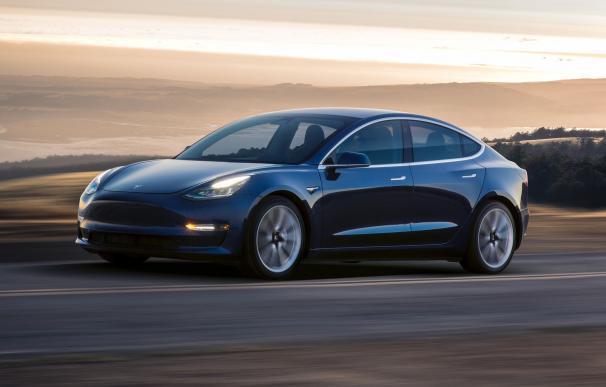 Los primeros Tesla Model 3 ya circulan por las carreteras