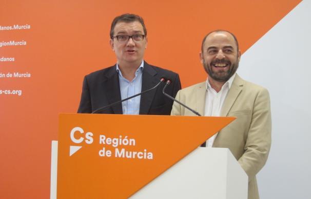 Cs destaca entre los logros de la legislatura que el AVE llegue a Murcia soterrado y declarar mascotas inembargables
