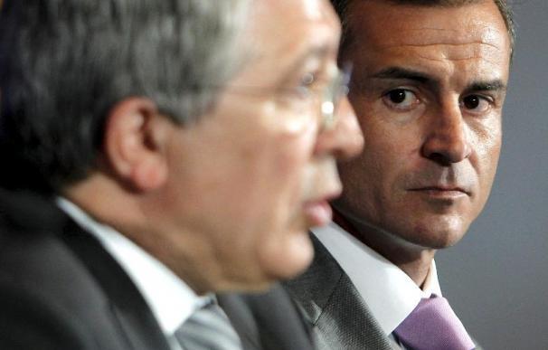 El presidente del Atlético dice que quien quiera al 'Kun' Agüero tendrá que pagar su cláusula