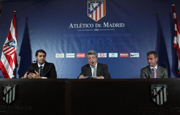 """Caminero, en su presentación: """"Agüero y De Gea son jugadores del Atlético y contamos con ellos"""""""