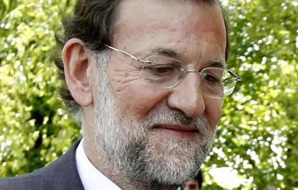 Rajoy asegura que su primera medida será fijar un techo de gasto en las administraciones