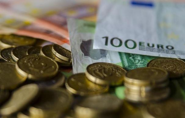 El Tesoro coloca 4.671 millones en la subasta de bonos a tipos más bajos