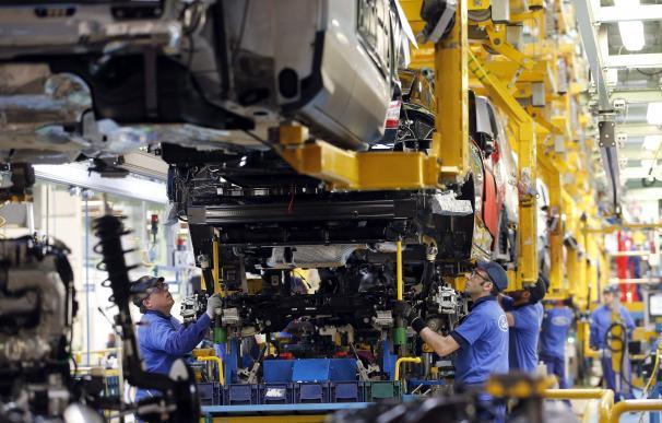 Los británicos se olvidan del coche 'made in Spain' y las fábricas españolas lo sufren