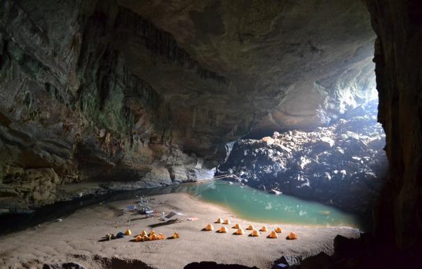 Cueva de Hang En