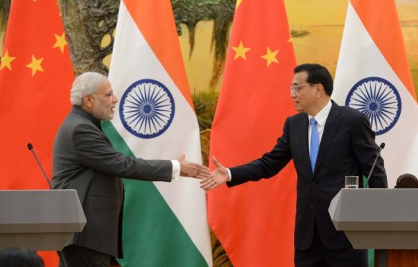 El primer ministro indio, Modi, y el primer ministro chino, Li Keqiang