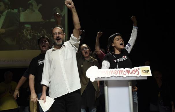 El cabeza de la CUP, Antonio Baños, celebrando los resultados del 27-S.